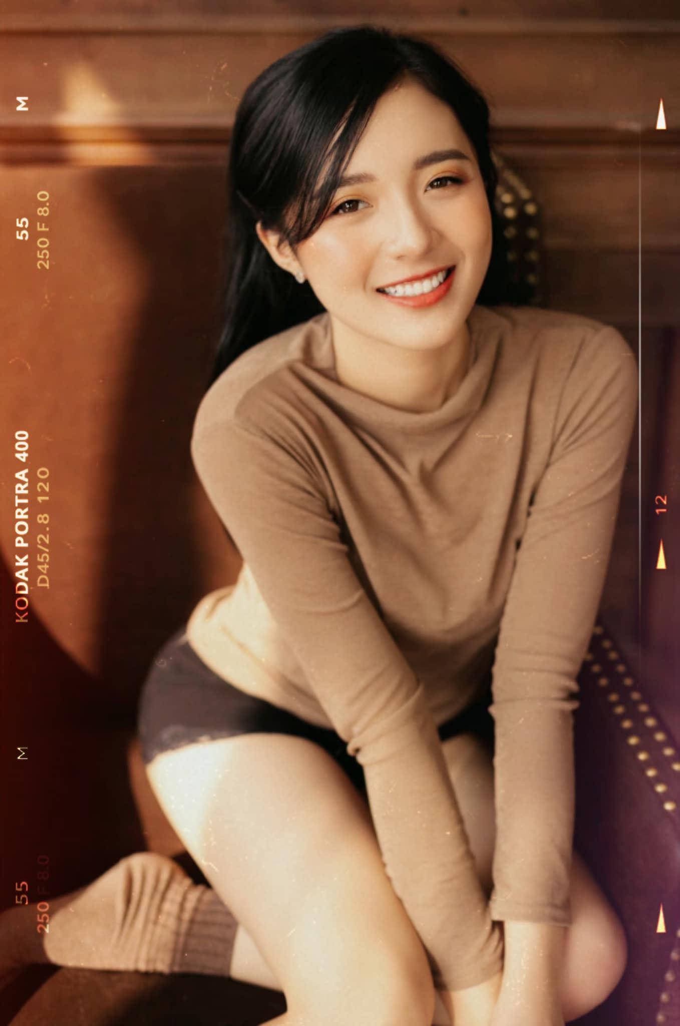 MC Phương Thảo cho biết cô rất ấn tượng với 'người hùng thầm lặng' ProE vì tuyển thủ này là mẫu người 'nói ít làm nhiều'.