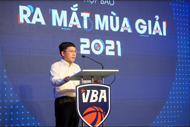 Ông Lê Hoàng Anh - Phó Chủ tịch thường trực Liên đoàn Bóng rổ Việt Nam tại họp báo ra mắt mùa giải VBA 2021