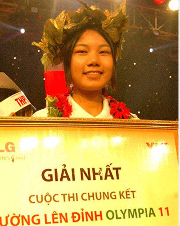 Chân dung cô gái mang vòng nguyệt quế về cho thành phố hoa phượng đỏ.