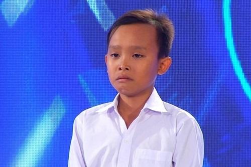 Hình ảnh Hồ Văn Cường tại vòng loạiVietnam Idol Kid 2016.