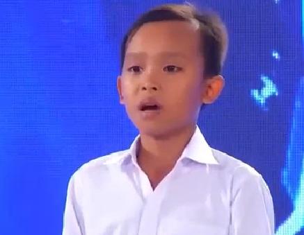 Dân mạng xúc động xem lại clip ngày đầu tiên Hồ Văn Cường xuất hiện trong showbiz 0