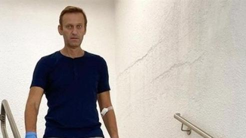 Đức thông báo Nga đe dọa khi Navalny đau bụng