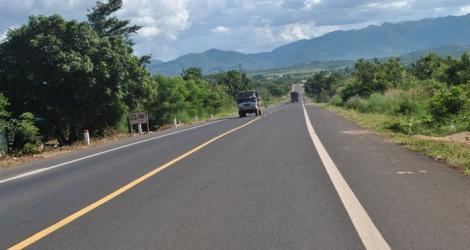 Còn hơn 500 km đang và chưa triển khai, đường Hồ Chí Minh không thể thông tuyến trong năm 2020