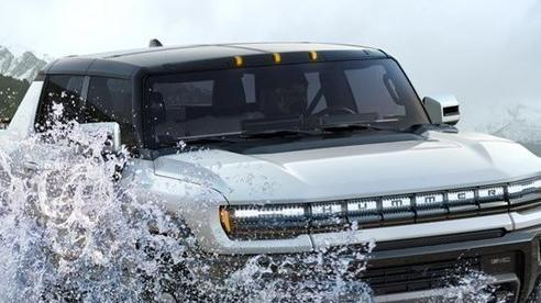 GMC Hummer EV có giá bán ngang ngửa xe sang
