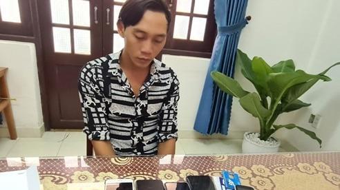 Kẻ nhẫn tâm lừa tiền của vợ nạn nhân thủy điện Rào Trăng 3 bị khởi tố, tạm giam