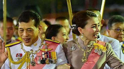 Berlin có động thái cứng rắn đầu tiên về việc nhà vua Thái Lan điều hành chính trị từ Đức