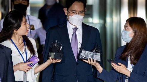 Lý do 'thái tử' Samsung sẽ phải chờ rất lâu nữa mới được nhận 'ngai vàng'