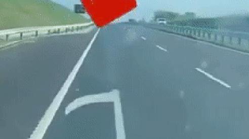 Đường cao tốc khi có xe ô tô đi qua sẽ tự động phát nhạc nhưng ý nghĩa thực sự đằng sau đó thì khiến ai cũng bất ngờ