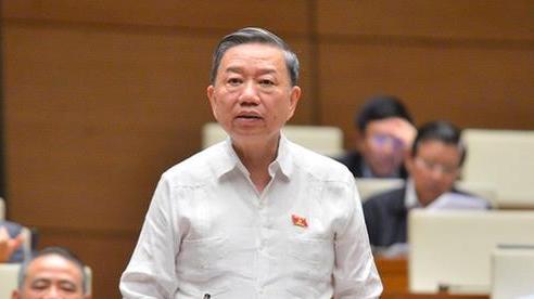 Bộ trưởng Tô Lâm: 'Ngay trong đội ngũ cán bộ có nhiều người sử dụng giấy tờ giả, xem xét xử lý hình sự'