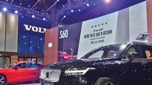 Xe hơi tiếp tục giảm giá cuối năm