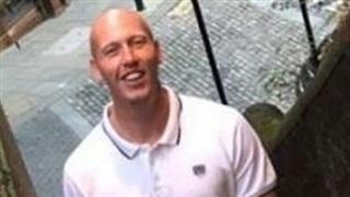 Bí ẩn cái chết của người đàn ông cao hơn 2 mét trên xe đẩy hành lý trong khu nghỉ dưỡng