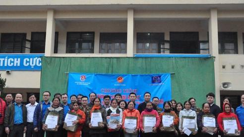 Chương trình 'Hướng về miền Trung ruột thịt': Sẻ chia yêu thương nơi vùng lũ Quảng Bình