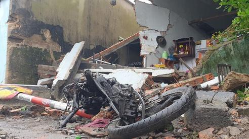 Kinh hoàng xe container 'càn quét' 7 nhà dân bên Quốc lộ 1, nhiều người thoát chết