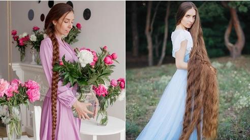 Mê mẩn trước suối tóc dài 1m8 của 'nàng Rapunzel' ngoài đời thực