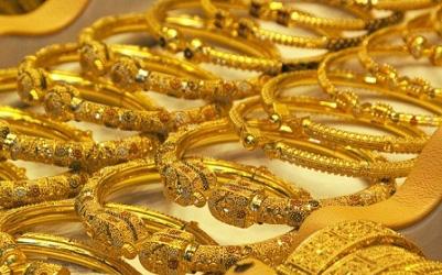 Nghịch cảnh dân Ấn Độ giảm mua vàng, nhà kim hoàn Trung Quốc tăng mua