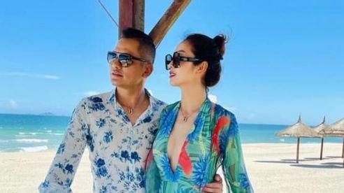 Hoa hậu Jennifer Phạm khoe dáng ngọc bên chồng