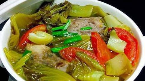 Canh cá nấu dưa chua chuẩn vị không tanh