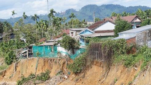 Thừa Thiên - Huế: 322 hộ dân ở khu vực có nguy cơ sạt lở cần di dời