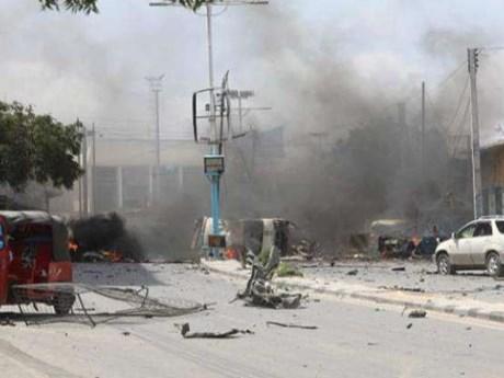 Đánh bom liều chết vào sân vận động ở Somalia làm 15 người thiệt mạng