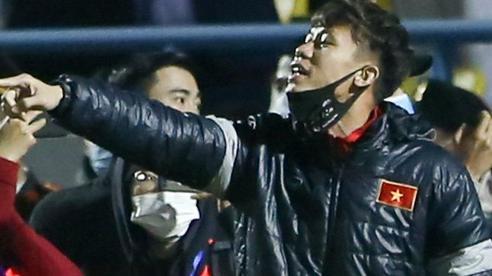 Quế Ngọc Hải hô '3 bàn đấy', cà khịa thủ môn U22 Việt Nam thua cược thầy Park