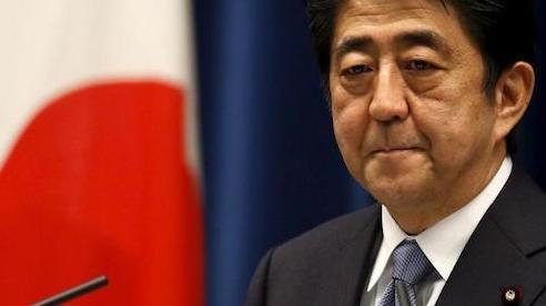 Cựu Thủ tướng Shinzo Abe xin lỗi vì bê bối vi phạm luật tài trợ chính trị