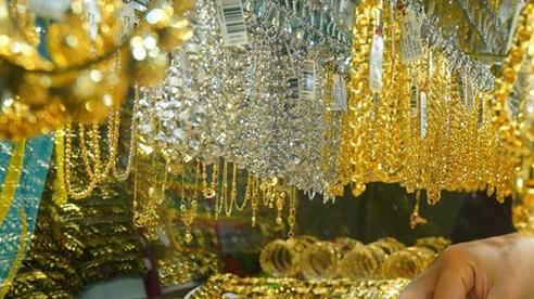 Thị trường vàng trong nước vẫn ổn định quanh ngưỡng 55 triệu đồng/lượng