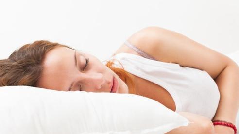 8 thói quen nhỏ giúp bạn ngủ ngon dễ dàng: 'Báu vật' đầu giường của người khó ngủ, mất ngủ