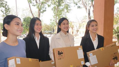 Hoa hậu Đỗ Hà tiếp tục được chào đón nồng nhiệt tại Thanh Hóa