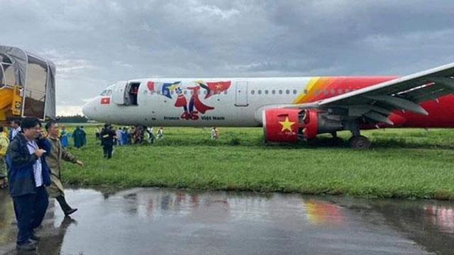 Trích xuất dữ liệu hộp đenvụ máy bay Vietjet trượt khỏi đường băng Tân Sơn Nhất