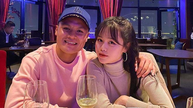Hot: Quang Hải xoá sạch ảnh chung với Huỳnh Anh, còn Huỳnh Anh khẳng định độc thân và tố ai kia bội bạc