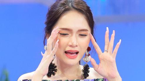Đúng là mối lương duyên trời ban giữa thần tượng và anti-fan, admin thông báo đóng group 'Anti Nữ hoàng đạo lý' mà dính lỗi chính tả giống hệt Hương Giang