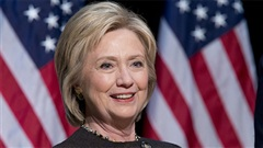 Clinton nói bỏ phiếu cho Biden để 'hàn gắn đất nước'