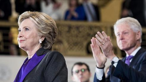 Từ Nixon đến Hillary, những ứng viên thất cử Tổng thống Mỹ đã chấp nhận rút lui như thế nào?