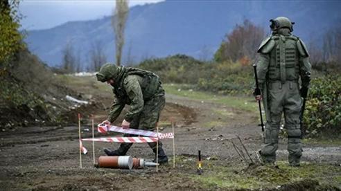 Lính Nga mặc siêu trang phục OVR-2 giữ hòa bình tại Nagorno-Karabakh