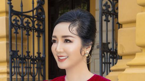 Hoa hậu Giáng My ở tuổi 49 trẻ trung thế nào mà được gọi là 'mỹ nhân không tuổi'?