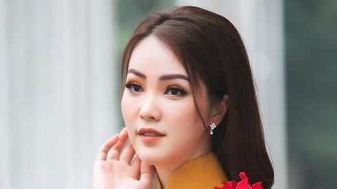 Á hậu Thụy Vân khoe 'gia tài' 100 bộ áo dài, khẳng định: Đỗ Thị Hà đã được chọn là Hoa hậu thì chắc chắn đẹp