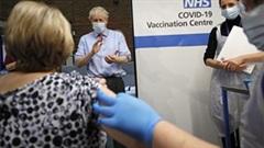 Covid-19: Các nước cấp tập đặt vắc-xin, phê duyệt quyền sử dụng khẩn cấp