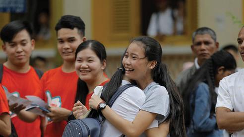 Thủ tướng Campuchia cho tất cả học sinh lớp 12 tốt nghiệp mà không cần thi để phòng ngừa COVID-19