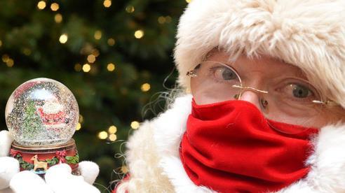 Lên mạng hỏi ông già Noel là thật hay bịa, chú nhóc nhận được đáp án ấm áp mọi đứa trẻ đều nên nghe