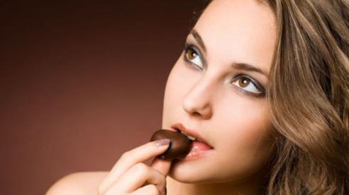 Điều gì sẽ xảy ra khi bạn ăn socola vào buổi sáng?
