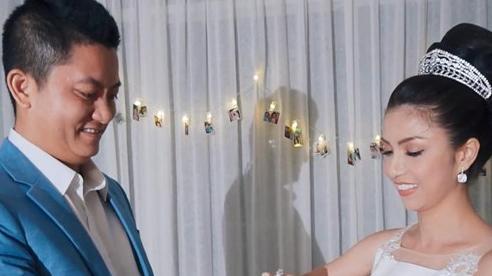 Clip: Nữ doanh nhân trẻ gây sốt với màn 'cầu hôn ngược'
