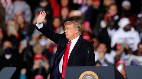 Tổng thống Trump quyết 'chiến đấu hết mình' để giữ Nhà Trắng