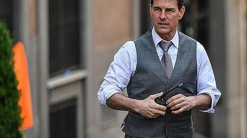 Tom Cruise tung robot chống Covid-19 đến trường quay