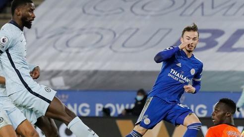Hạ Chelsea 2-0, Leicester tạm chiếm ngôi đầu