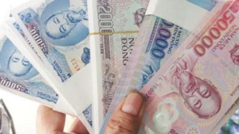 Nhộn nhịp thị trường đổi tiền lẻ dịp cận Tết
