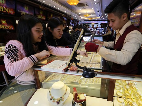 Vàng Rồng Thăng Long tiếp tục thấp hơn vàng SJC khoảng 1,5 triệu đồng