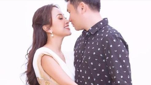 MC Thanh Vân Hugo hóa nữ thần quyến rũ bên bạn trai