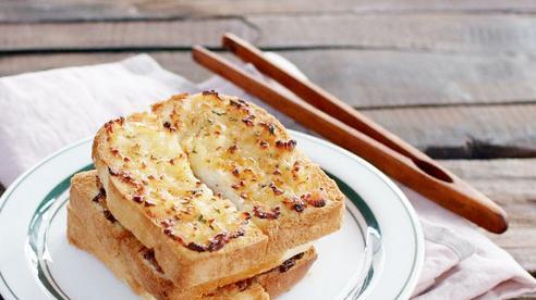Làm bánh mì bơ tỏi thơm ngon nhức nhối bằng nồi chiên không dầu dễ như ăn kẹo!