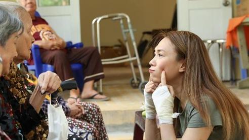 Mỹ Tâm tiết lộ việc bị chấn thương tay: 'Không quan tâm nên nó nhõng nhẽo'