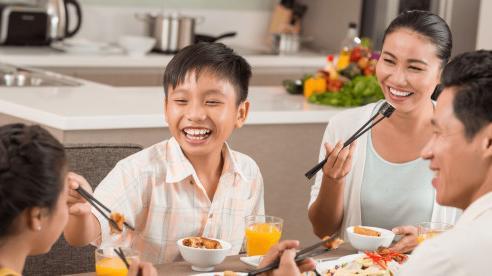 Ngày Tết ăn thế nào để không bị tăng cân?